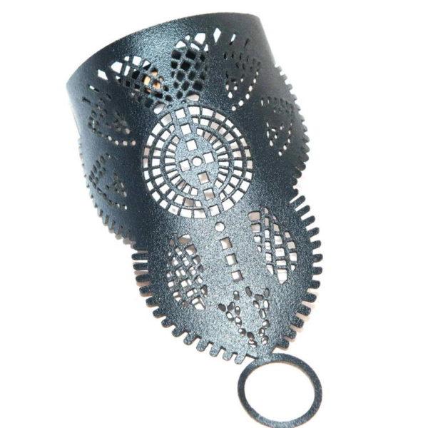 слейв-браслет резной кожаный