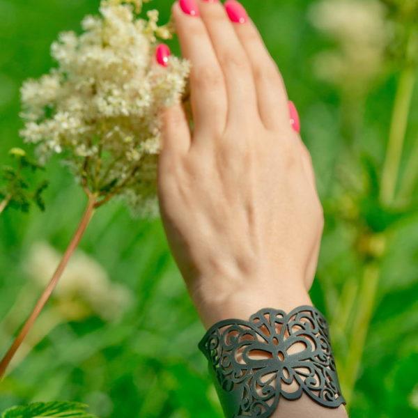 бабочка браслет